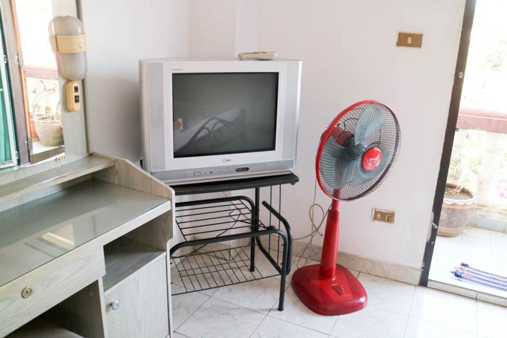 テレビと扇風機