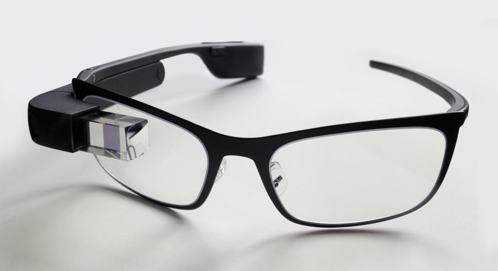 Google_Glass_bywiki