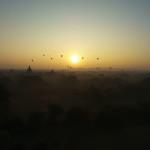 世界三大仏教遺跡!ミャンマーのバガン遺跡で朝日を楽しむ